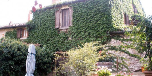 Country House in hamlet in Chianti – Siena